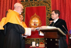 2009 :: José Luís Sampedro durante la Investidura Doctor Honoris Causa por la Universidad de Sevilla