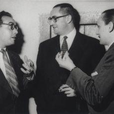 1955 José Luis Sampedro, y a su derecha, Antonio Buero Vallejo