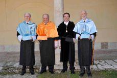 2012 :: José Luís Sampedro junto Nuevos doctores honoris causa con el rector de la UAH