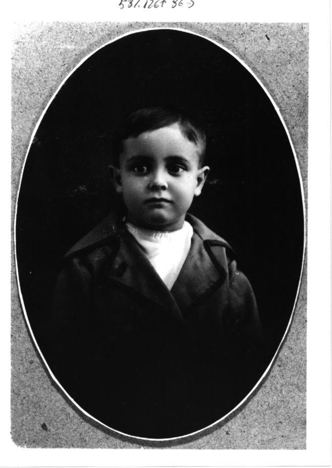 Fotos ElPais El escritor José Luis Sampedro en una foto de niño.